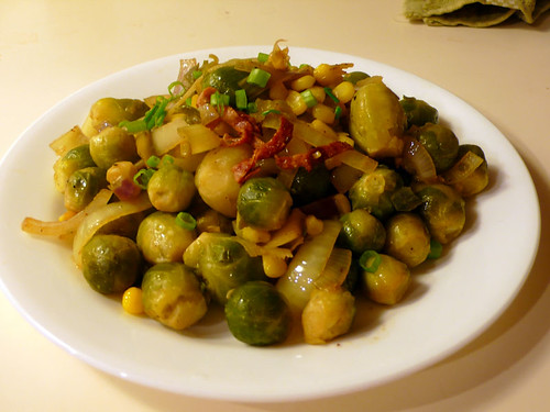 簡易的小椰菜雜炒 Brussels Sprouts Stir-Fry with Corn and Bacon