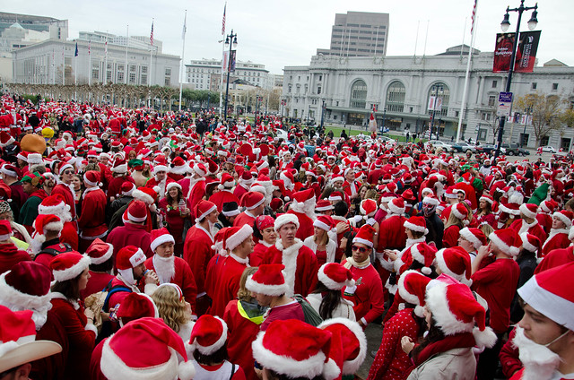 Lots of Santas at City Hall - San Francisco SantaCon 2010