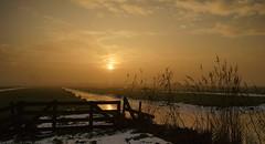 sunrise-4 (andrek65) Tags: cold sunrise sony hitland a700 tamron175028 sonyalpha700