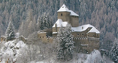 Schloss Reifenstein bei Sterzing (mikiitaly) Tags: schnee winter italy vipiteno südtirol altoadige wipptal sterzing supershot eisacktal abigfave colorphotoaward flickrdiamond flickrchallengewinner absolutelystunningscapes saariysqualitypictures updatecollection ruby10 ruby5 ruby15