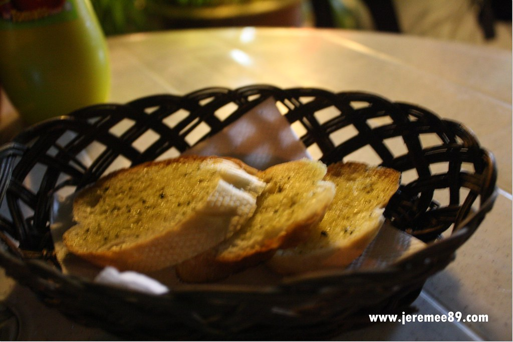 Yaw's Roast & Grill - Garlic Bread