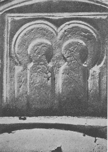 Arcos de herradura en la mezquita de Tornerías al ser redescubierta en 1905