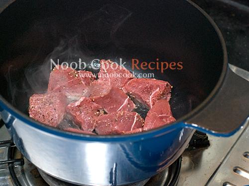 طريقة عمل طبق اللحم بالخضار بالصور 5265550517_7ef740d675_o.jpg