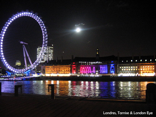 River thames and London Eye by Night