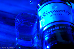 104/365 (Tanqueray Tear) (doitforlove) Tags: blue alcohol gin project365 strobist