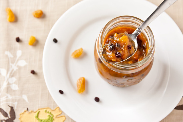 Homemade mango chutney that's sweet, sour, savory, and spicy - and ...