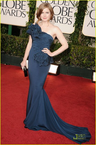 amy-adams-2011-red-carpet-golden-globes-03