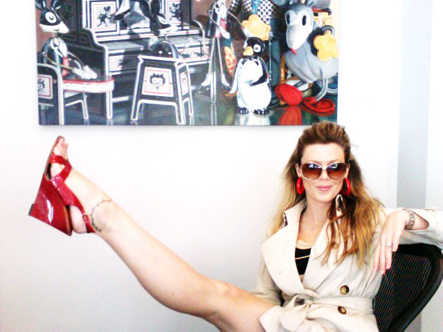 patent red sandals, wedges, burberry trench coat, red hoop earrings, nautical, fashion, Photo 30