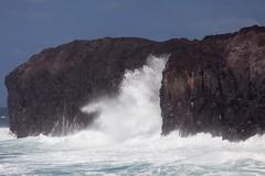 Dchaine (hubertguyon) Tags: africa mer nature le oc vague fogo caboverde afrique gmt cume le capeverde atlantique ocan cume capvert cume