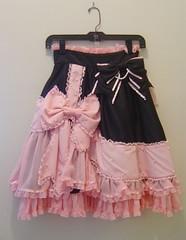 Black Skirt Met