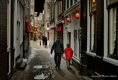 Oudekennissteeg  Red Light District. An enjoyable walking tour (martin alberts1) Tags: amsterdam sex alley whores redlightdistrict 1012 steeg stegen wallen prostitutie youmademyday anawesomeshot oudekennissteeg martinalberts postcode1012