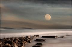 moonlight sonata... (ibo.h) Tags: sunset sea seascape portugal rocks moonlight algarve longtimeexposure moonlightsonata elitegalleryaoi mygearandmeplatinum mygearandmediamond