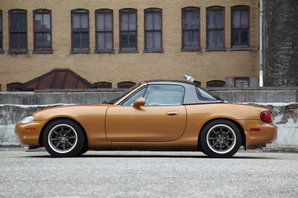 SOLD 2000 Mazda Miata Evo Orange $6,000 ( Birmingham, AL )