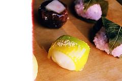 Return of the Fugetsu-Do Manju (jjldickinson) Tags: wood food dessert japanese longbeach leader mochi wrigley olympusom1 confectionery manju cuttingboard fujicolorsuperiaxtra400 fugetsudo promastermcautozoommacro2870mmf2842 promasterspectrum772mmuv roll495o2