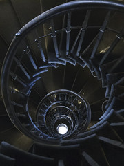 Spiral stairs, London Monument (Richard Wintle) Tags: london uk england monument stair stairs staircase spiral