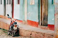 Streets Of Trinidad (Simone Della Fornace) Tags: city cuba trinidad travel street motorbike motorcycle old urban colorful sony a7rii outdoor