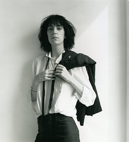 Patti Smith le dedica canciones a Amy Winehouse y Johnny Deep