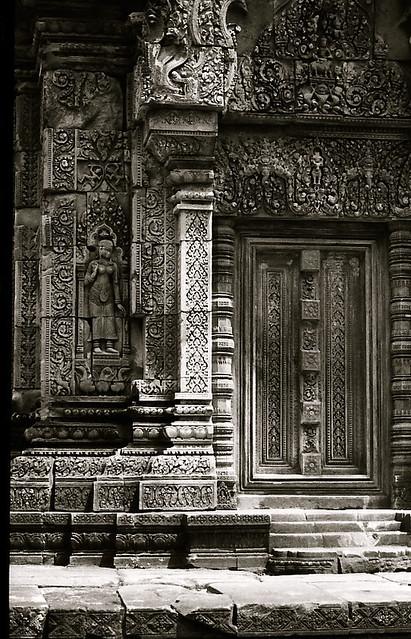 Banteay Srei black&white