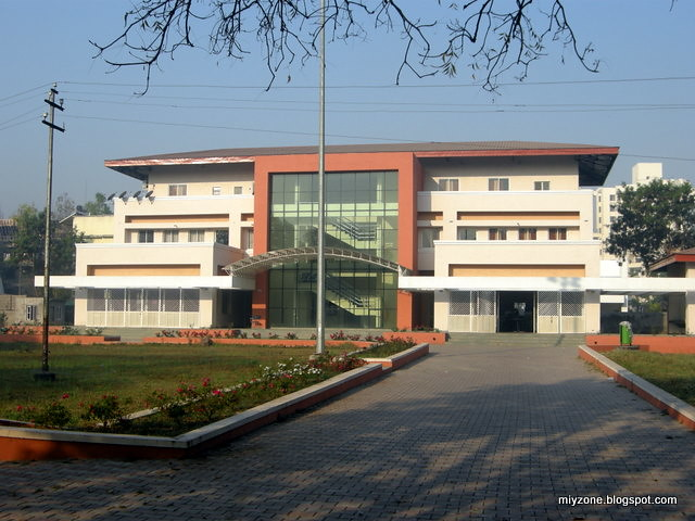 Spicer College