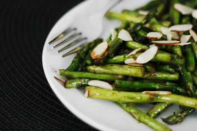 Eat. Live. Be. – Rut Rescue (Stir-Fried Asparagus with Almonds Recipe)