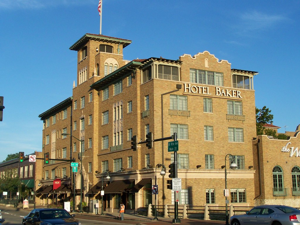 Hotel Baker- Saint Charles IL (1)