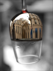 A distorted view of the world (brefoto) Tags: glass wine inverted selectivecolour préverre