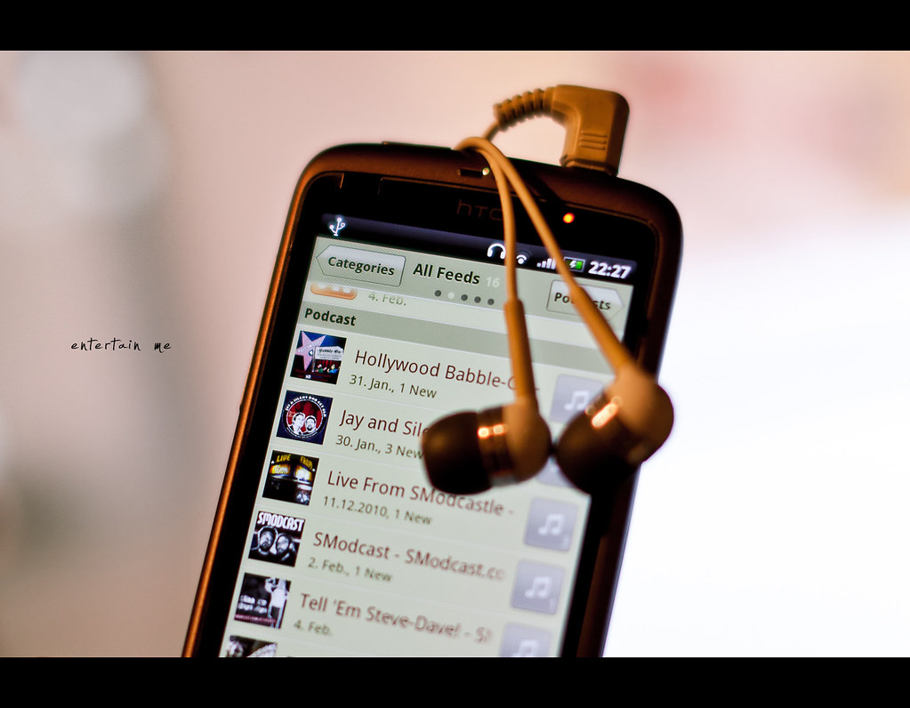 Project 365, 185/365, Day 185, Bokeh, htc desire, podcast, smodcast, headphones, 50mm, Sigma 50mm F1.4 EX DG HSM