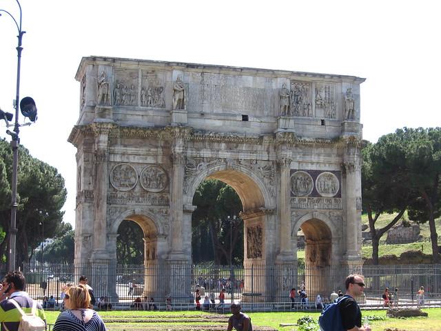 ローマの凱旋門のフリー写真素材