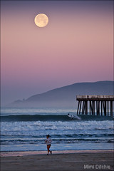 Full Moon Jog-And-Surf (Mimi Ditchie) Tags: california sunrise dawn pier surfer pacificocean pismo pismobeach moonset jogger supershot pismopier