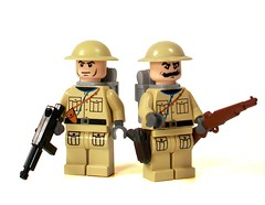 WWII British Troops (*Nobodycares*) Tags: lego m1 wwii worldwarii ww2 soldiers guns british thompson weapons worldwar2 garand uas allied brodies sheaths brickarms mmcb