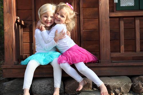 4 sister hug