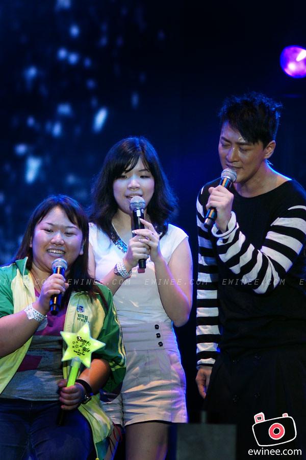 RAYMOND-LAM-LIVE-IN-MALAYSIA-SUNWAY-LAGOON-2011-4