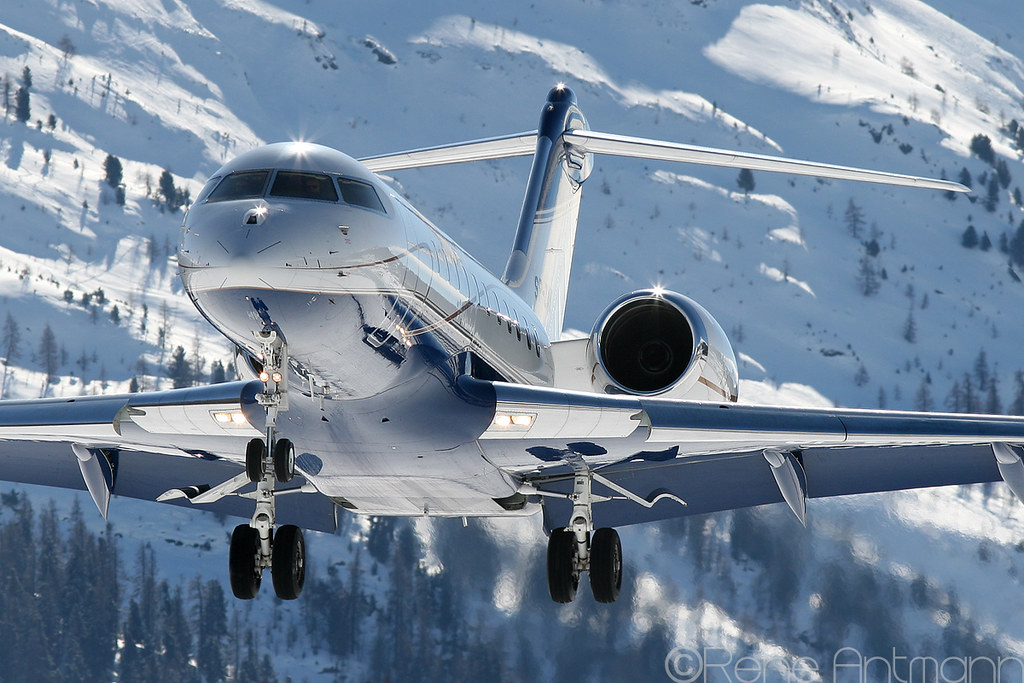 Aircraft flying safely in the snow