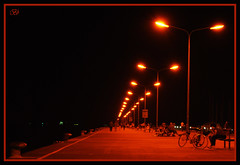 A luci rosse (Vitaminabeta) Tags: perspective luci notturno romagna prospettiva marinadiravenna palizzata d40x nikonclubit