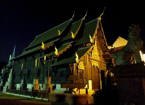Chiang Mai 11-Wat Chedi Luang (17)