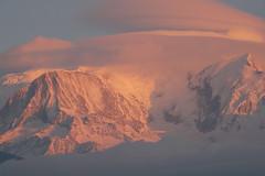 Au revoir... à demain!!! (La Pom ) Tags: montagne alpes vent glacier savoie nuages mont blanc haute refuge gouter aiguille 4810 lenticulaire bionnassay lapom