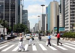 São Paulo, Avenida Paulista (L. Felipe Castro) Tags: city brazil brasil america avenida photographer south centro center latin latina paulo sao financial sul offices paulista fotografo sudeste luizfelipecastro luizfelipedasilvadecastro financeiro