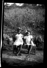 Two Little Dolls (Leonardo Martins) Tags: old brazil blackandwhite black film branco brasil riodejaneiro upsidedown scanner withe picture brasilien an preto oldphoto filme pretoebranco brasilia brasile histria brsil antigo raro scaned brazilia brazili pirueta brasiilia  quilombo fotoantiga raridade brezilya pontacabea  escaner brasils quilombolas brazylia  brazlie brazilija brazlia brazili abigfave piruette brasila   brasilen       brazylii  fotohistrica brazlija   bhrasal brazilijo  brazlii brasilium brail   pirts brazlijas  braxin