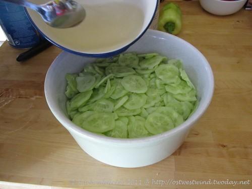 Vorbereitung Gurkensalat