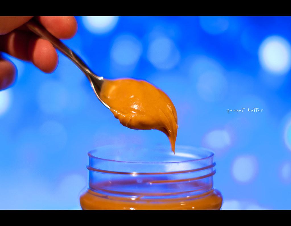 project 365, Day 218, 218/365, bokeh, Sigma 50mm F1.4 EX DG HSM, 50 mm, 50mm, peanut butter, spoon, jar, bokeh bubbles, bokeh balls,