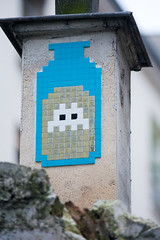 Space Invader @ Paris (France) (un oeil qui trane) Tags: street urban streetart game paris france art mosaic space arcade spaceinvader spaceinvaders tiles invader 75 mosaique mosaque
