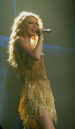 Taylor Swift 08 - Live in Paris - 2011