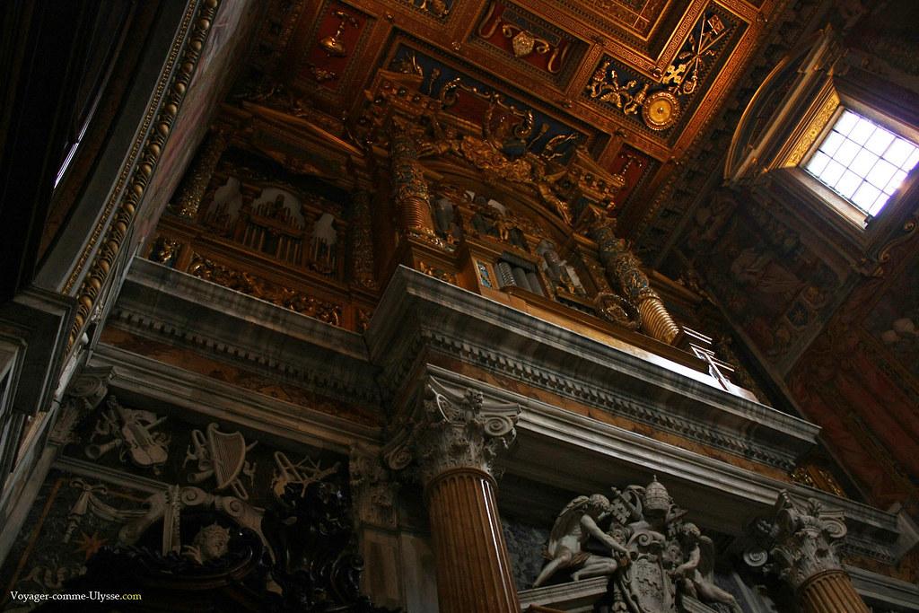 Un des orgues de la basilique