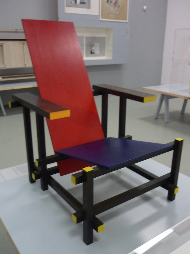 red blue armchair Rietveld