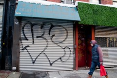 Vescr (mikeion) Tags: nyc newyorkcity ny newyork graffiti manhattan shutter outline throw vr vesc vescr