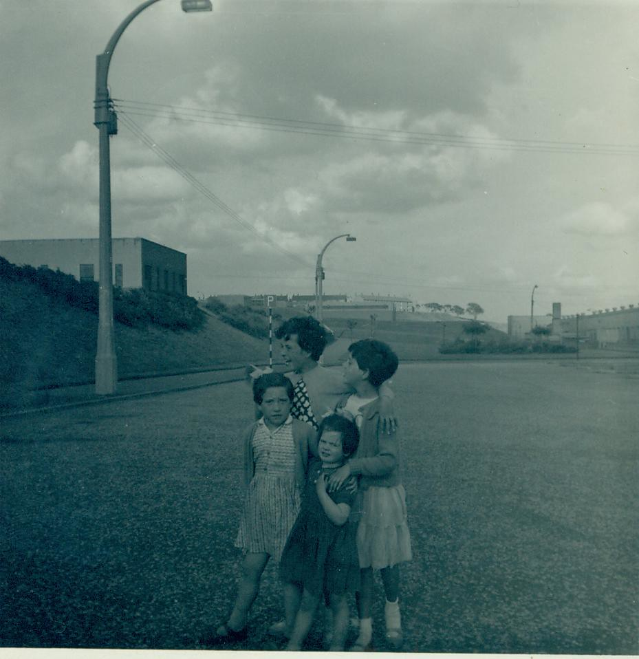 Helen,Mary and Isobelle Murphy 1962