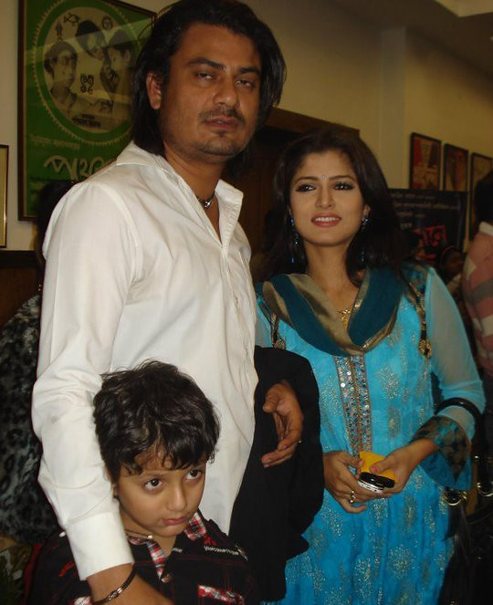 Srabonti Husband Rajib Biswas and Son pics