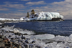 Not-so-Hollow Rock (KarenR-TB) Tags: winter ice minnesota lakesuperior grandportage hollowrock coppercloudsilvernsun