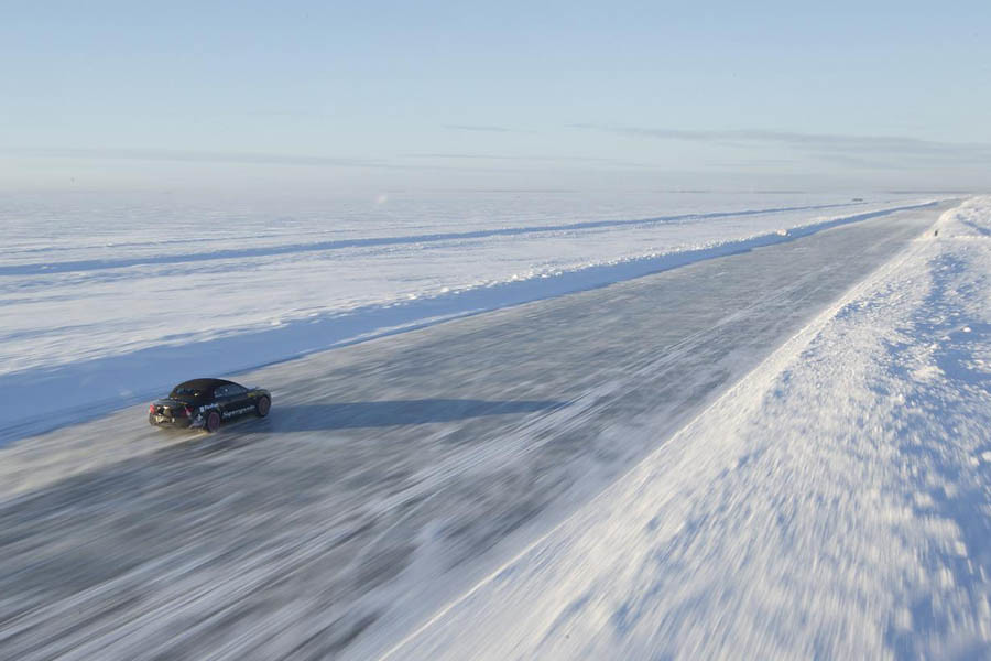 Bentley Continental Supersport sets World Speed Record on ice
