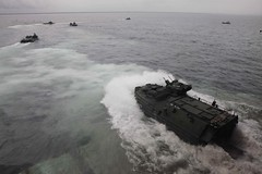 Amphibious vehicles from USS Gunston Hall take part in exercise. (Official U.S. Navy Imagery) Tags: navy sailors armada marines sailor usnavy amphibious aav marineros southernpartnershipstation